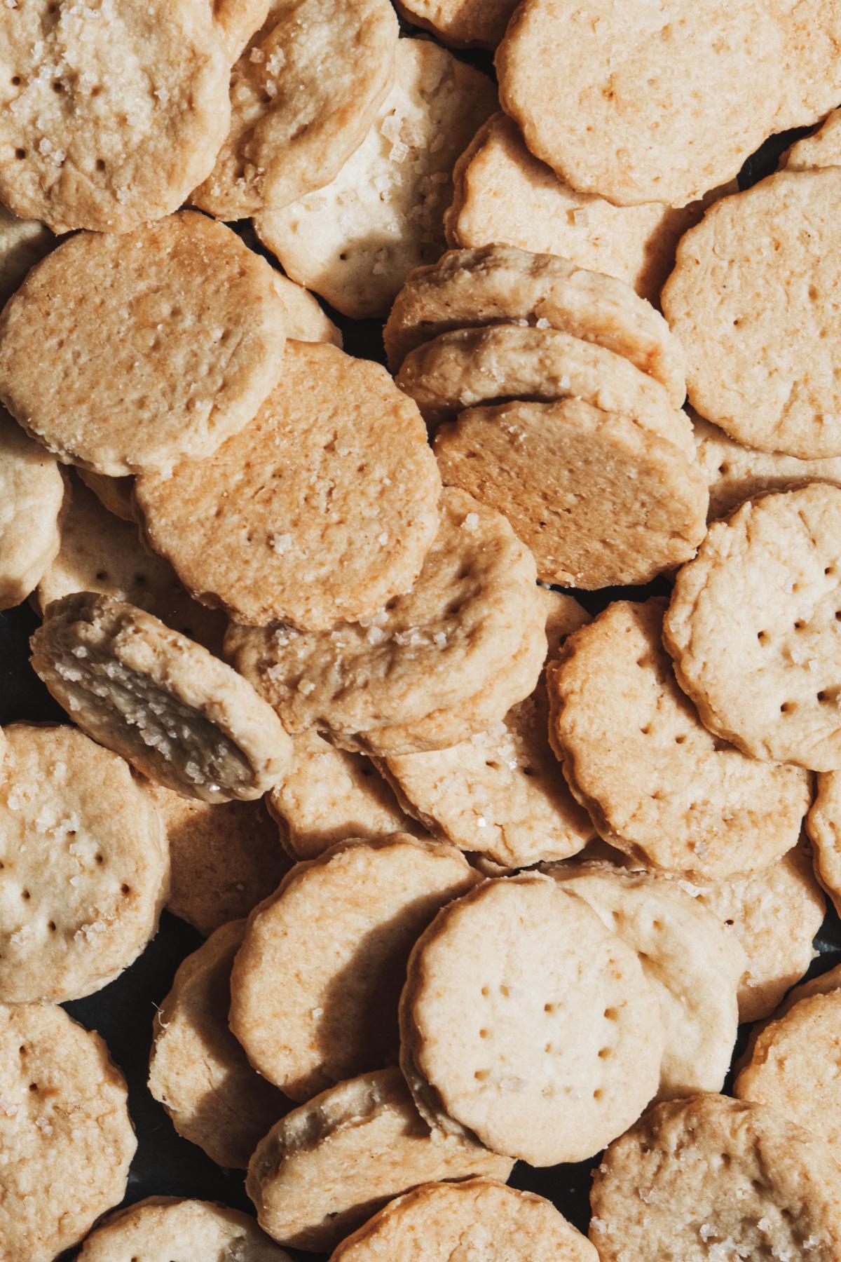 crackers amanteigados com flor de sal 2